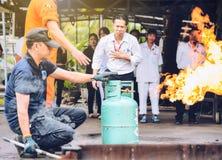 Κατάρτιση τρυπανιών πυρκαγιάς πάλης και εκκένωσης Basicfire στο novembe στοκ εικόνες