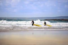Κατάρτιση Lifeguards στην κυματωγή Στοκ φωτογραφίες με δικαίωμα ελεύθερης χρήσης