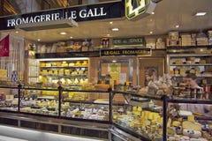 Κατάστημα αγοράς τυριών στη Γαλλία στοκ φωτογραφίες