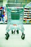 κατάστημα αγορών κάρρων Στοκ εικόνες με δικαίωμα ελεύθερης χρήσης