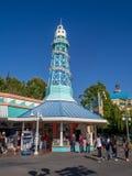 Κατάστημα αναμνηστικών στην αποβάθρα παραδείσου στη Disney Στοκ Εικόνες