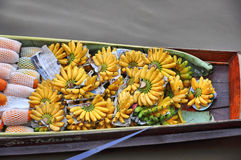 Κατάστημα βαρκών πολλή μπανάνα Στοκ εικόνες με δικαίωμα ελεύθερης χρήσης