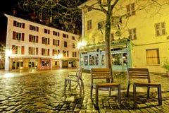 Κατάστημα και ξενοδοχείο, Quay du Semnoz, Annecy, Γαλλία Στοκ εικόνες με δικαίωμα ελεύθερης χρήσης