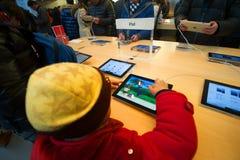 Κατάστημα ναυαρχίδων προϊόντων της Apple Στοκ Φωτογραφίες