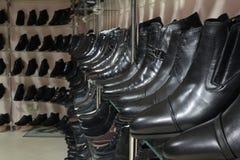 Κατάστημα παπουτσιών ατόμων Στοκ εικόνα με δικαίωμα ελεύθερης χρήσης
