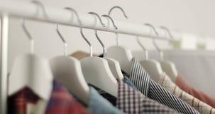 Κατάστημα πουκάμισων ατόμων ` s απόθεμα βίντεο