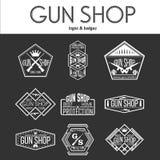 Κατάστημα πυροβόλων όπλων logotypes και διανυσματικό σύνολο διακριτικών Στοκ Εικόνες