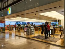 Κατάστημα της Microsoft τη μαύρη Παρασκευή Σαββατοκύριακο Στοκ φωτογραφία με δικαίωμα ελεύθερης χρήσης