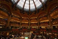 Κατάστημα του Λαφαγέτ Galeries, κτήριο, λεωφόρος αγορών, μητρόπολη, πόλη στοκ φωτογραφίες