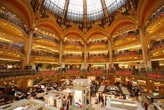 Κατάστημα του Λαφαγέτ Galeries, λεωφόρος αγορών, κτήριο, παλάτι, βιβλιοθήκη στοκ φωτογραφίες