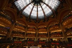 Κατάστημα του Λαφαγέτ Galeries, ορόσημο, αρχιτεκτονική, κτήριο, μητρόπολη στοκ εικόνες με δικαίωμα ελεύθερης χρήσης