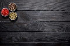 Κατάταξη των διαφορετικών ειδών πιπεριού, κοκκίνου, πράσινος και ινδοπεπεριού Στοκ φωτογραφία με δικαίωμα ελεύθερης χρήσης