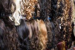Κατάταξη των επεκτάσεων ανθρώπινα μαλλιών Στοκ εικόνα με δικαίωμα ελεύθερης χρήσης