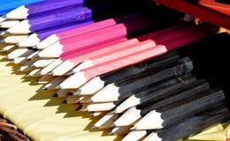 Κατάταξη των ζωηρόχρωμων μολυβιών Στοκ φωτογραφία με δικαίωμα ελεύθερης χρήσης