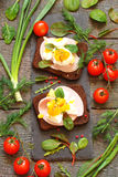 Κατάταξη των λιχουδιών, καπνισμένο κρέας, μπέϊκον, αυγά, λαχανικά Στοκ Εικόνα