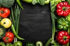Κατάταξη των λαχανικών που τακτοποιούνται στη μορφή πλαισίων στοκ φωτογραφίες με δικαίωμα ελεύθερης χρήσης