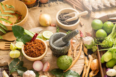 Κατάταξη των ταϊλανδικών μαγειρεύοντας συστατικών τροφίμων Συστατικά καρυκευμάτων Στοκ Φωτογραφίες