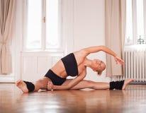 Κατάλληλος χορευτής στοκ εικόνες