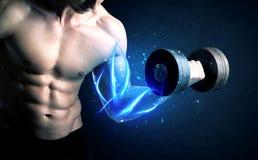 Κατάλληλο βάρος ανύψωσης αθλητών με την μπλε ελαφριά έννοια μυών Στοκ φωτογραφίες με δικαίωμα ελεύθερης χρήσης