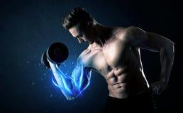 Κατάλληλο βάρος ανύψωσης αθλητών με την μπλε ελαφριά έννοια μυών Στοκ Εικόνα