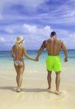 Κατάλληλο ζεύγος στην παραλία Στοκ Φωτογραφία