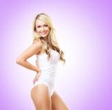 Κατάλληλο και φίλαθλο κορίτσι στο άσπρο εσώρουχο Όμορφο και υγιές wo Στοκ εικόνες με δικαίωμα ελεύθερης χρήσης