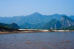 κατά μήκος mekong παραλιών της άμμ& Στοκ Φωτογραφίες