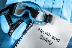 Κατάλογος με τα προστατευτικά δίοπτρα και τα ακουστικά Στοκ φωτογραφία με δικαίωμα ελεύθερης χρήσης