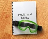 Κατάλογος υγειών και ασφαλειών με τα προστατευτικά δίοπτρα Στοκ Φωτογραφίες