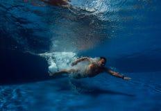 Κατάδυση στην πισίνα Στοκ Φωτογραφίες