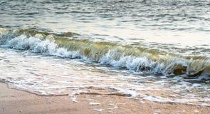 Καταβρέχοντας κυματωγή θάλασσας της Νίκαιας Στοκ εικόνες με δικαίωμα ελεύθερης χρήσης