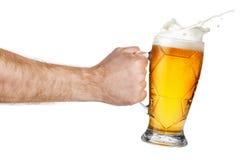 Καταβρέχοντας μπύρα διαθέσιμη στοκ φωτογραφίες με δικαίωμα ελεύθερης χρήσης