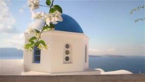 Καταδίωξη παράλληλα με τον μπλε θόλο εκκλησιών απόθεμα βίντεο