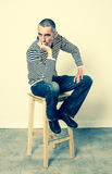 Καταθλιπτικό άτομο που εκφράζει την απογοήτευση, την πλήξη και την απογοήτευση Στοκ Εικόνες