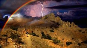 Καταιγίδα και ουράνιο τόξο στην Κριμαία Στοκ Φωτογραφία