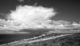Καταιγίδα πέρα από τη θάλασσα Στοκ εικόνα με δικαίωμα ελεύθερης χρήσης