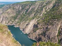 Καταμαράν στο φαράγγι του ποταμού Sil στην επαρχία Ourense, Στοκ Εικόνα