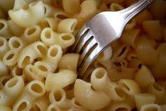 κατανάλωση καυτού macaroni Στοκ φωτογραφία με δικαίωμα ελεύθερης χρήσης
