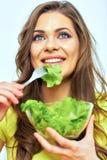 κατανάλωση της γυναίκας & κλείστε επάνω το πορτρέτο προσώπου της χαμογελώντας γυναίκας Στοκ φωτογραφία με δικαίωμα ελεύθερης χρήσης