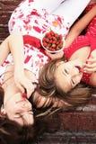 κατανάλωση της φράουλας Στοκ Εικόνες