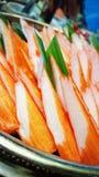 Κατανάλωση των ρόλων σουσιών Ιαπωνικό εστιατόριο τροφίμων Στοκ εικόνες με δικαίωμα ελεύθερης χρήσης