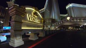 Καταπληκτικές ενετικές ξενοδοχείο και χαρτοπαικτική λέσχη Λας Βέγκας τη νύχτα - ΗΠΑ 2017 απόθεμα βίντεο