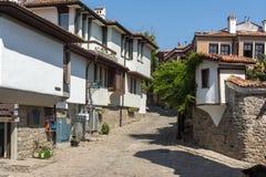 Καταπληκτική άποψη της οδού και των σπιτιών στην παλαιά πόλη Plovdiv, Βουλγαρία Στοκ Φωτογραφίες