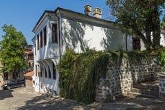 Καταπληκτική άποψη της οδού και των σπιτιών στην παλαιά πόλη Plovdiv, Βουλγαρία Στοκ Εικόνα