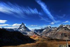Καταπληκτική άποψη της σειράς βουνών πανοράματος κοντά στο Matterhorn στις ελβετικές Άλπεις στοκ φωτογραφίες