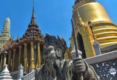 Καταπληκτική άποψη του αγάλματος στη Μπανγκόκ στοκ φωτογραφίες με δικαίωμα ελεύθερης χρήσης