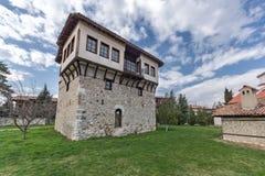 Καταπληκτική άποψη του μεσαιωνικού πύργου του αγγέλου Voivode στο μοναστήρι Arapovo Αγίου Nedelya, Βουλγαρία Στοκ φωτογραφίες με δικαίωμα ελεύθερης χρήσης