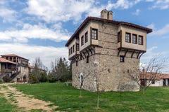 Καταπληκτική άποψη του μεσαιωνικού πύργου του αγγέλου Voivode στο μοναστήρι Arapovo Αγίου Nedelya, Βουλγαρία Στοκ Φωτογραφία