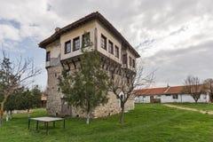 Καταπληκτική άποψη του μεσαιωνικού πύργου του αγγέλου Voivode στο μοναστήρι Arapovo Αγίου Nedelya, Βουλγαρία Στοκ Εικόνα