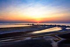 Καταπληκτική ανατολή στο άνετο ουκρανικό θέρετρο Kurortne Στοκ Εικόνες